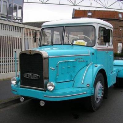 BERNARD TD211 tracteur à moteur Mack 1966