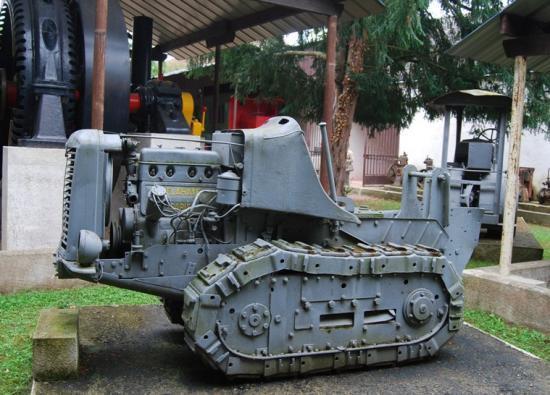 Tracteur chenillé Delahaye 4 cyclindres