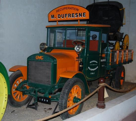GMC de 1909 utilisé par Maurice Dufresnes pour son activité de démolition/récupération