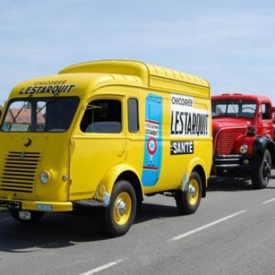 1958 - Renault Goelette décorée aux couleurs Lestarquit