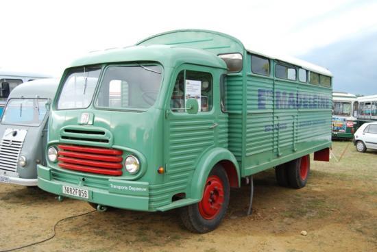 Ford 'Madeleine' par le RAUCCA ==> Cantine de luxe
