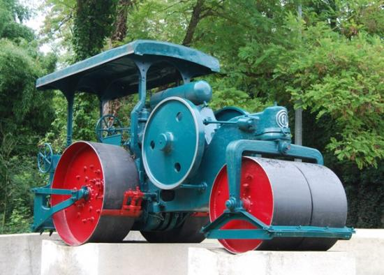 Rouleau compresseur Fives Cail à Lille