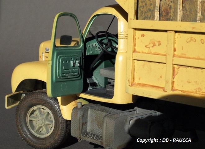 Mack B61 benne chantier