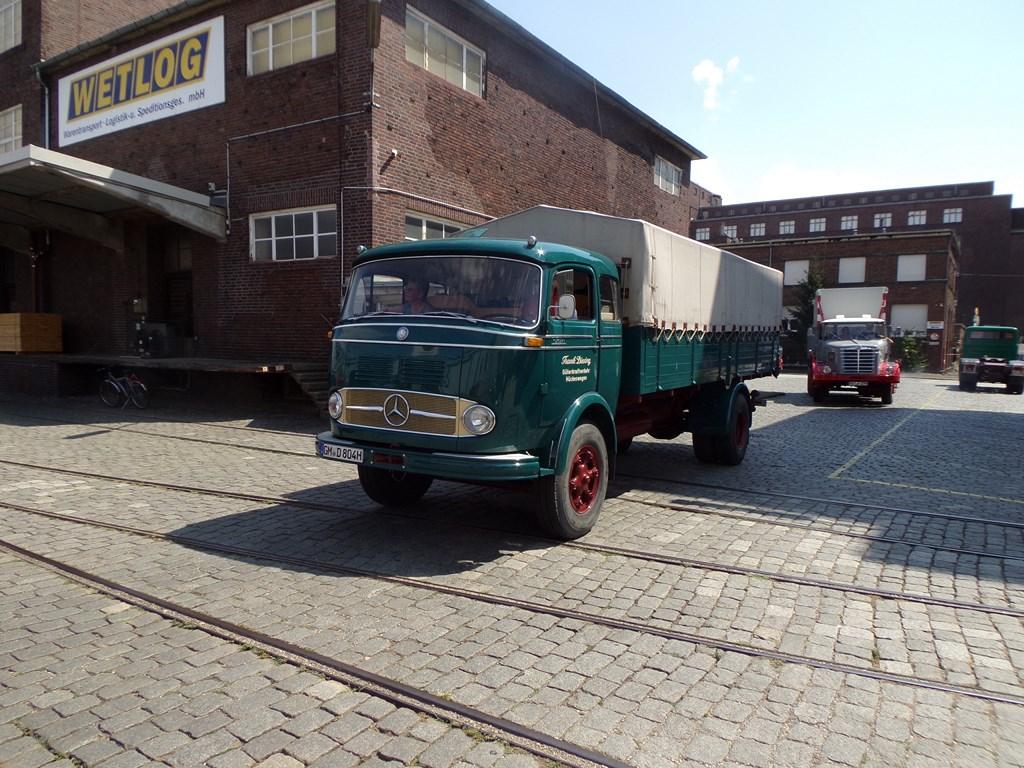 Mercedes LP 338