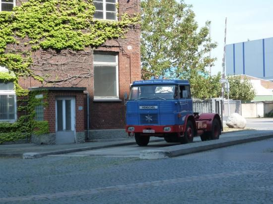 HENSCHEL tracteur