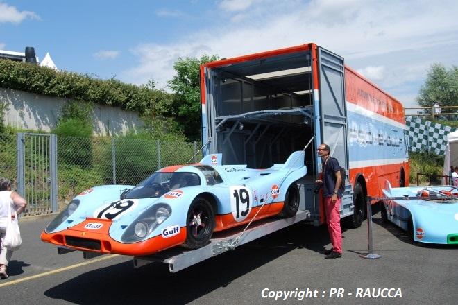 Porsche 917 K et son transporteur Mercedes