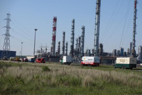 Devant la raffinerie à Dunkerque