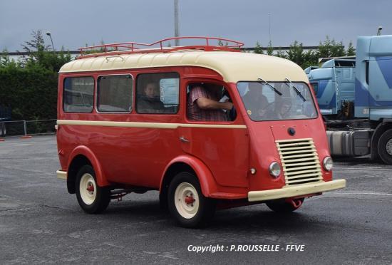 Renault 1000Kg minibus