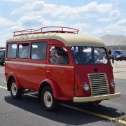 Renault Goelette minibus