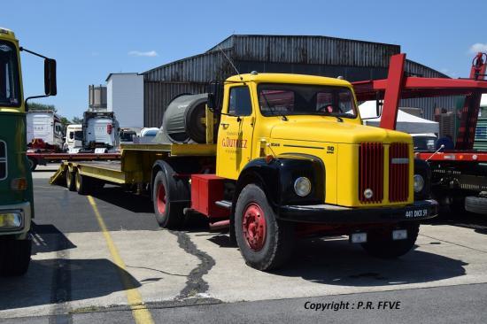 Scania 111 Super porte char