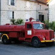 Tam Pompiers de Perast sur les bords des bouches du Kotor