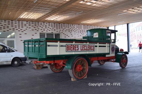 Camion brasseur SAURER
